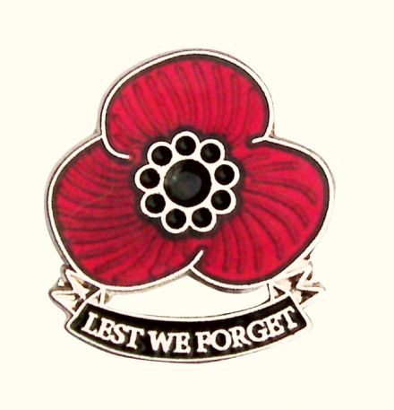 Three Petal Poppy Lapel Badge - Lest We Forget